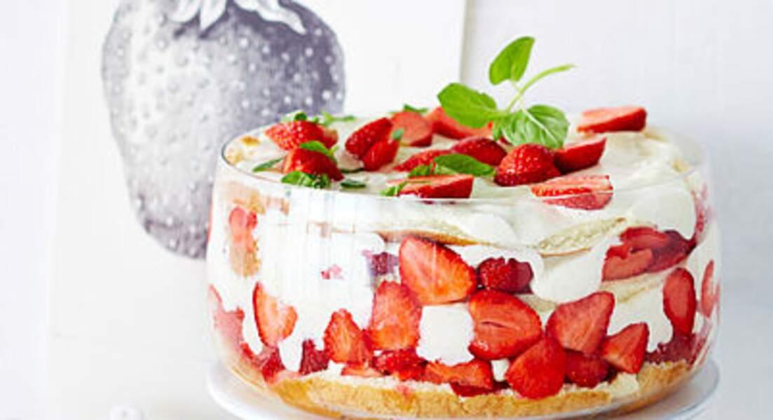Trifle géant aux fraises et basilic