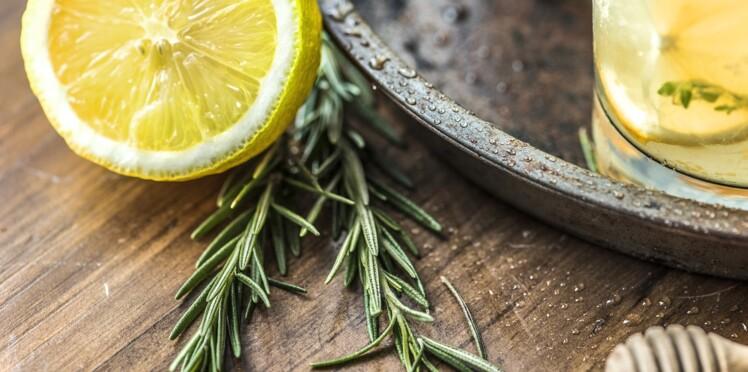 Digestion, brûlures, piqûres : 13 remèdes ultra-efficaces pour se soigner grâce au citron