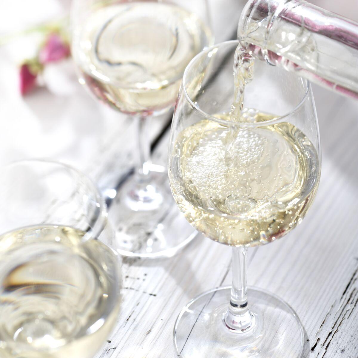 Comment Bien Choisir Le Vin Blanc D Aperitif Femme Actuelle Le Mag