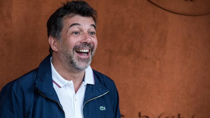 Stéphane Plaza en vacances : ce cliché hilarant de l'animateur en tutu rose... avec la gendarmerie !