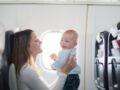 Tout ce qu'il faut savoir pour voyager en avion avec des enfants