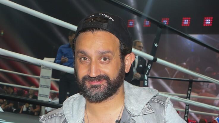 Cyril Hanouna change radicalement de coiffure et se teint les cheveux en violet