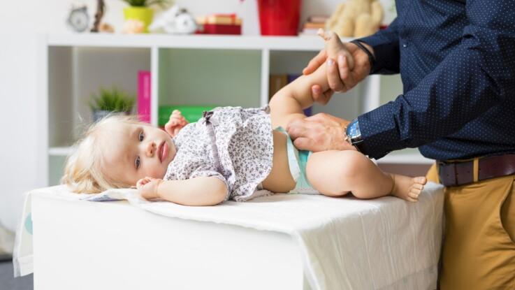 Mon bébé a des selles vertes : qu'est-ce que ça signifie ?