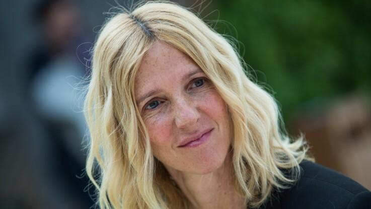 """""""C'est très surprenant..."""" : Sandrine Kiberlain se confie avec humour sur le départ de sa fille Suzanne"""