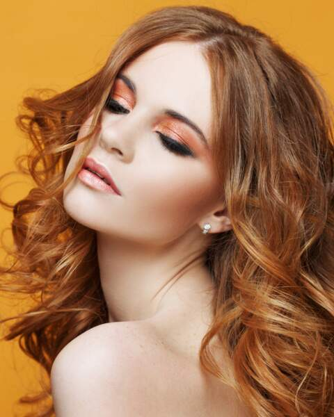 L'orange peut aussi être élégant associé à un trait de liner noir