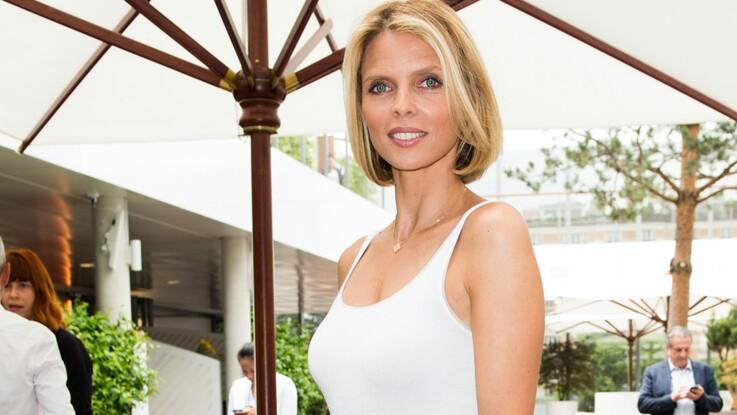 Maillot ultra décolleté et capeline sur la tête, Sylvie Tellier détrône toutes les miss avec un look glamour !