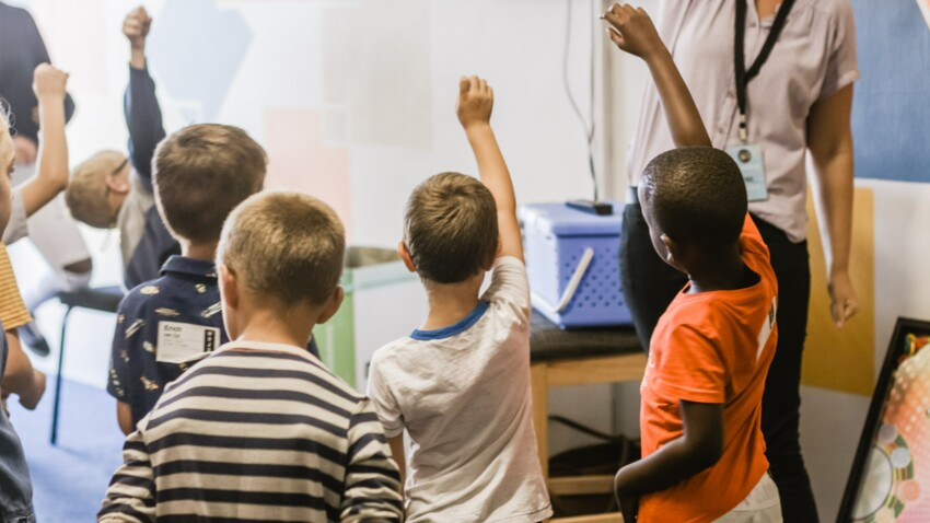 Pourquoi les enfants de profs réussissent mieux ? 3 astuces à leur piquer