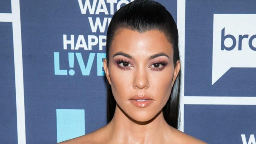 Kourtney Kardashian affiche ses vergetures en maillot de bain et décomplexe ses millions d'abonnés