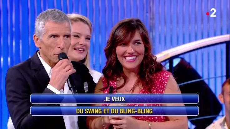 """Vidéo - """"N'oubliez pas les paroles"""" : la maestro Julie très émoustillée par Manu Vince le choriste !"""