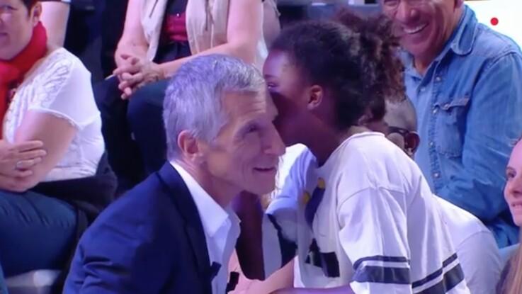 VIDÉO - Nagui très ému par le secret d'une petite fille du public glissé à son oreille