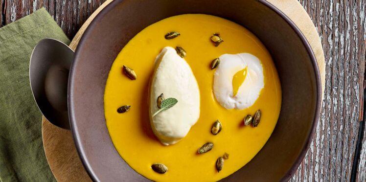 Velouté de potiron, crème de chaource et œuf poché