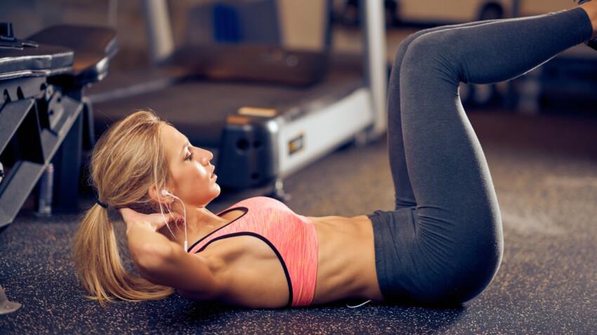 Stomach vacuum: comment réaliser cet exercice de gainage qui permet d'obtenir un ventre plat?
