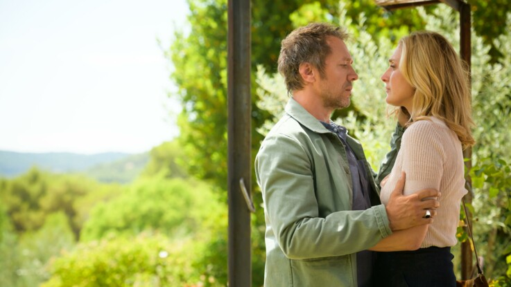 """""""Soupçons"""", avec Julie Gayet : la nouvelle série de France 3 à ne pas rater"""
