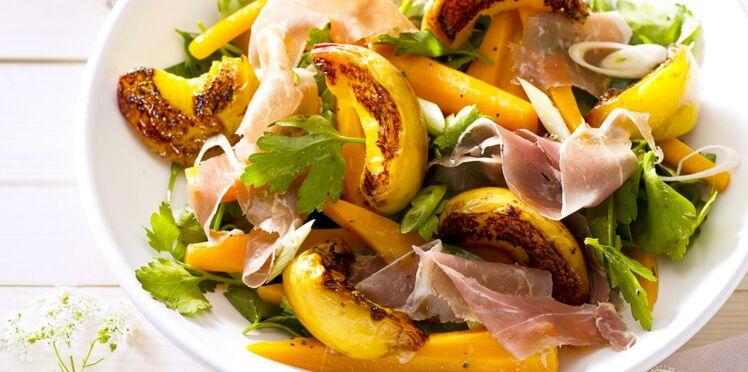 Salade de pêches rôties au jambon cru