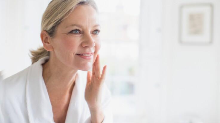 Beauté : 75% des femmes n'appliqueraient pas ce soin indispensable pour la peau
