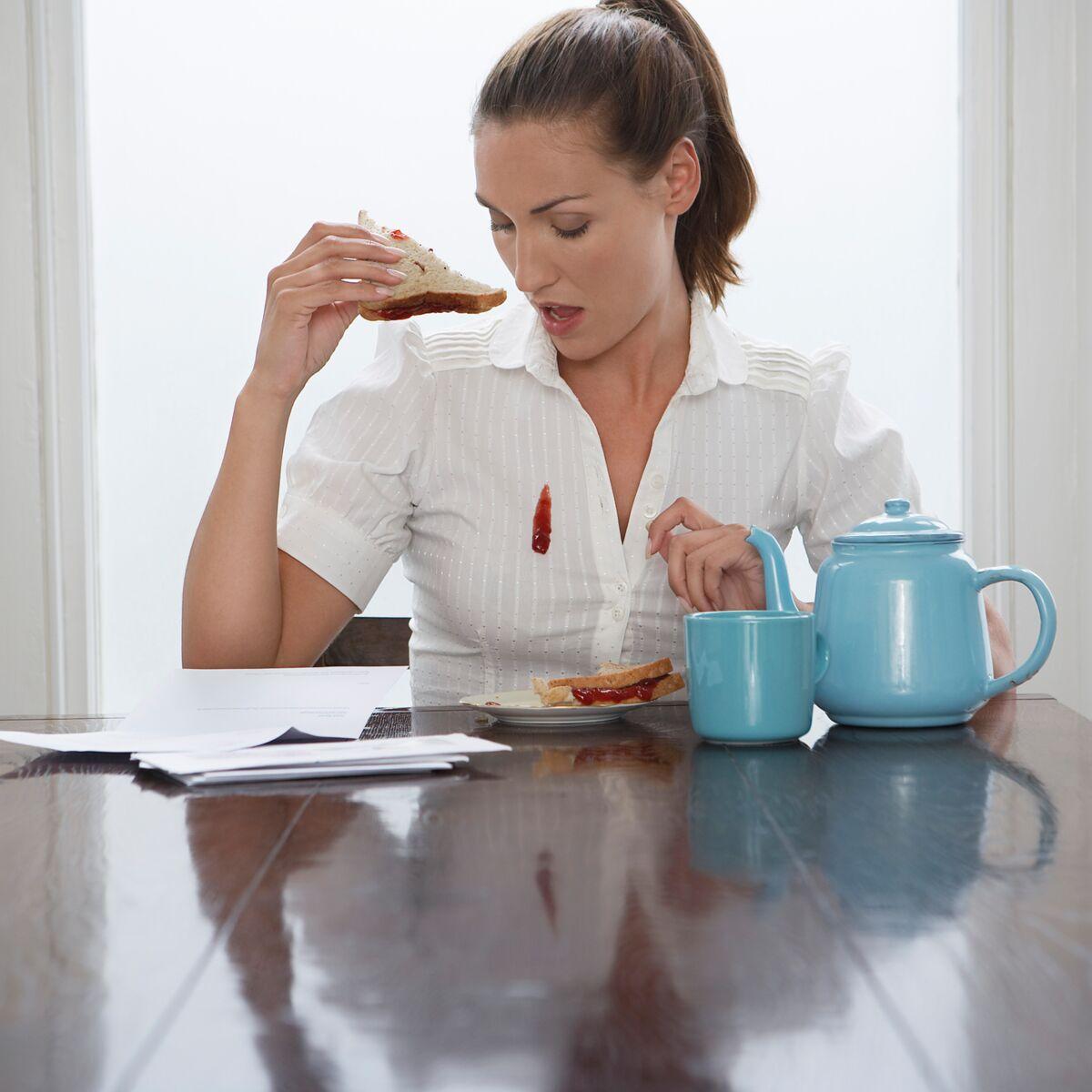 Mûres, groseilles, cassis, myrtilles, comment enlever une tache de fruits  rouges ? : Femme Actuelle Le MAG