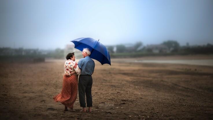 Cette photographe immortalise l'amour et la complicité de couples de personnes âgées