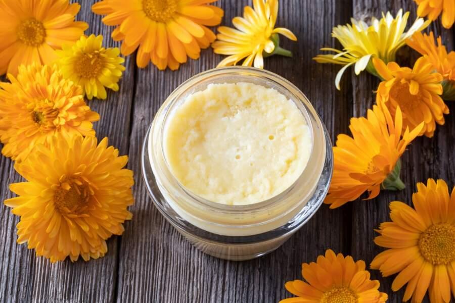 Soulager les hémorroïdes : la crème de karité au cyprès