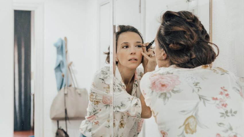 Coiffure, make-up… 5 astuces pour gagner du temps le matin dans sa salle de bains