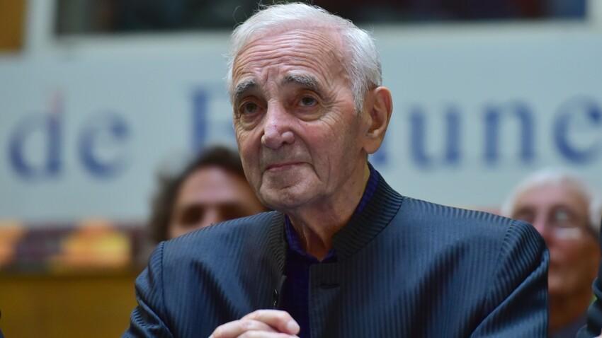 Charles Aznavour : 11 pièces, 9 chambres, 4 salles de bain... découvrez les images de sa maison qui est à vendre