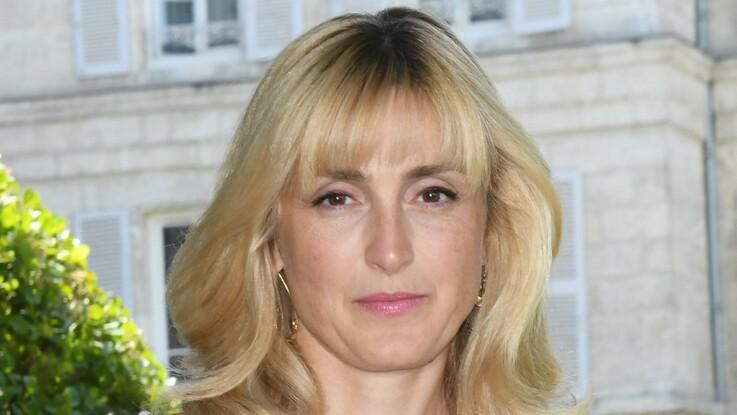 Julie Gayet : une amie raconte ce compliment un peu maladroit de François Hollande