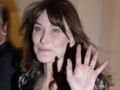 Photos - Carla Bruni porte le costume d'homme comme personne (on copie son look tendance !?)