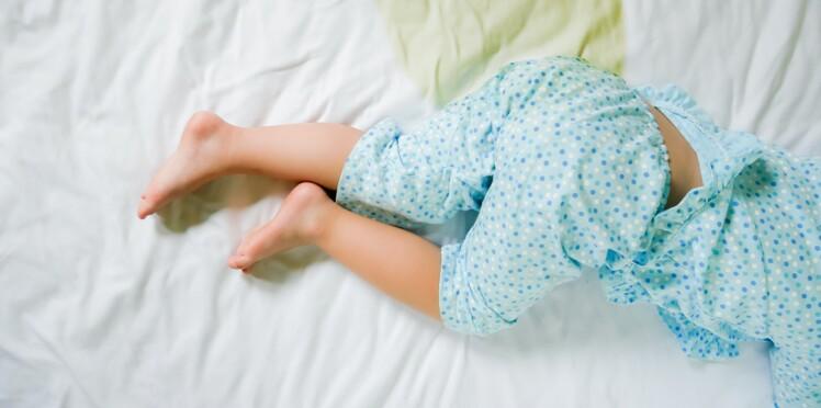 Énurésie : 4 conseils indispensables si votre enfant fait pipi au lit