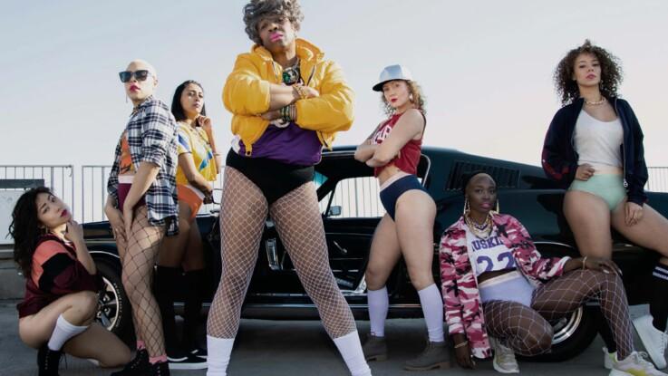 Vidéo - Sloggi fête les 40 ans de sa culotte avec une mamie déjantée qui fait le show dans un clip trop drôle !