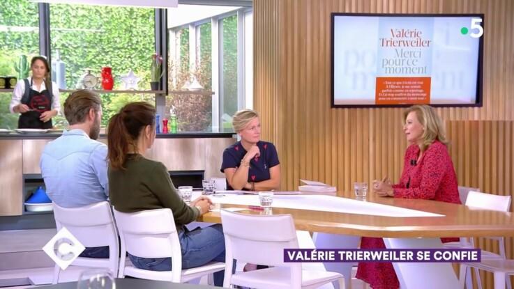 Vidéo - Échange (très) tendu entre Anne-Elisabeth Lemoine et Valérie Trierweiler à propos de François Hollande dans C à vous