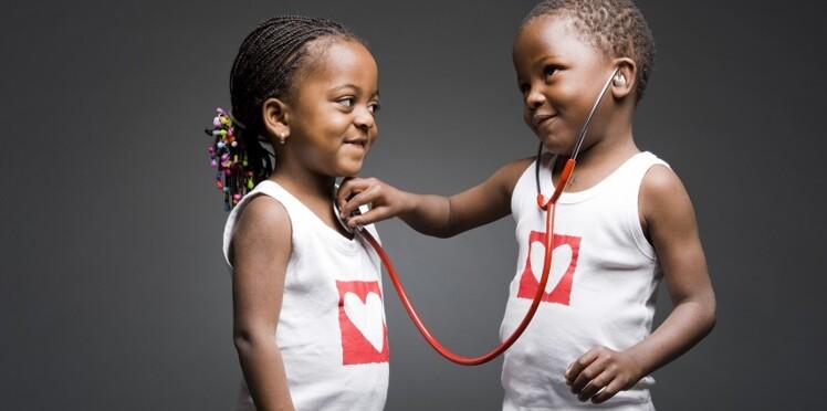 Les Yogis du Cœur : une séance de yoga organisée au profit des enfants atteints de maladies cardiaques