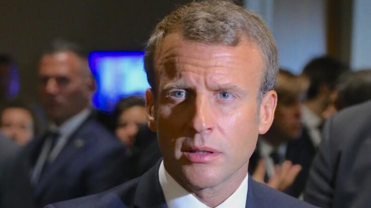 Sweat à capuche et barbe de 3 jours : la photo surprenante d'Emmanuel Macron