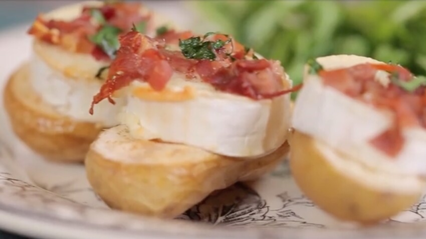 Pommes de terre farcies au chèvre et jambon : la recette facile