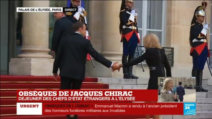 Ce geste tendre d'Emmanuel Macron, passé inaperçu lors du déjeuner en l'honneur de Jacques Chirac