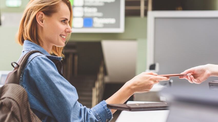 carte d identité périmée voyage Peut on voyager avec une carte d'identité périmée ? : Femme