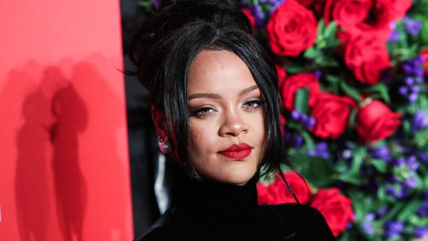 Rihanna change de coupe de cheveux et ose la frange longue