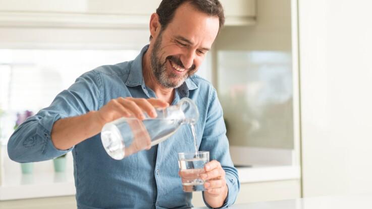 Soda, eau, alcool, café… Quelle boisson hydrate le plus ? La réponse va vous étonner