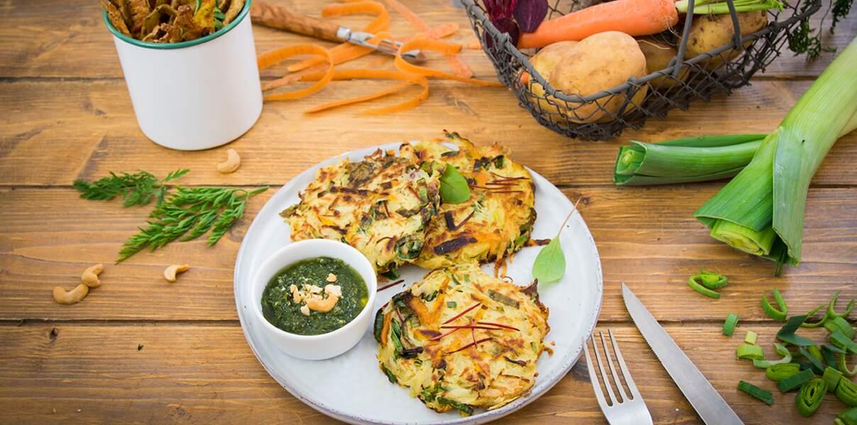 Röstis aux épluchures, pesto de fanes de carottes