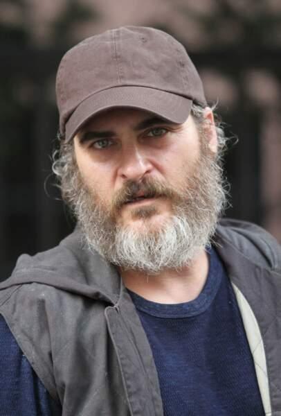 À nouveau méconnaissable avec une grande barbe poivre et sel, en 2016