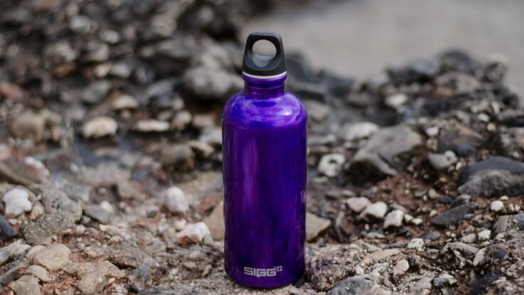Microbes, bactéries : cet objet du quotidien serait plus sale que la barre du métro - et ce n'est pas votre portable