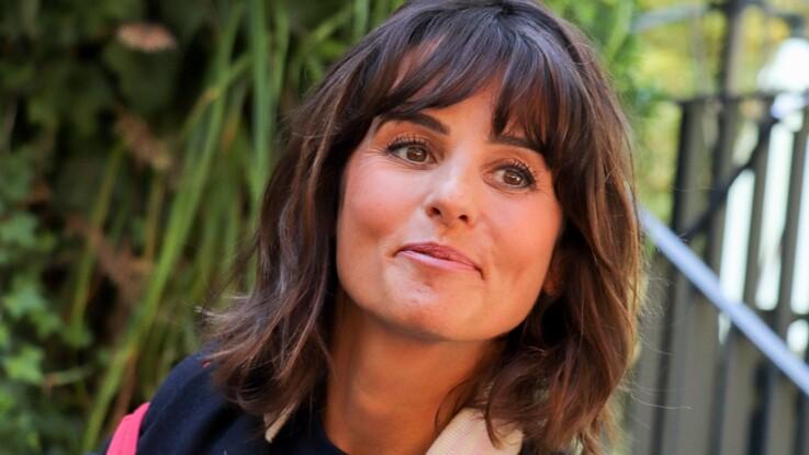 """Faustine Bollaert : comment elle arrive à prendre de la distance face à certains témoignages difficiles de """"Ça commence aujourd'hui"""""""