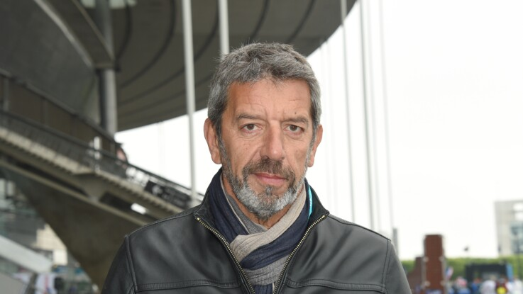 """""""Ça ne sortira pas d'ici"""" : Michel Cymes dévoile le nom de ce célèbre chanteur qui refuse de venir"""