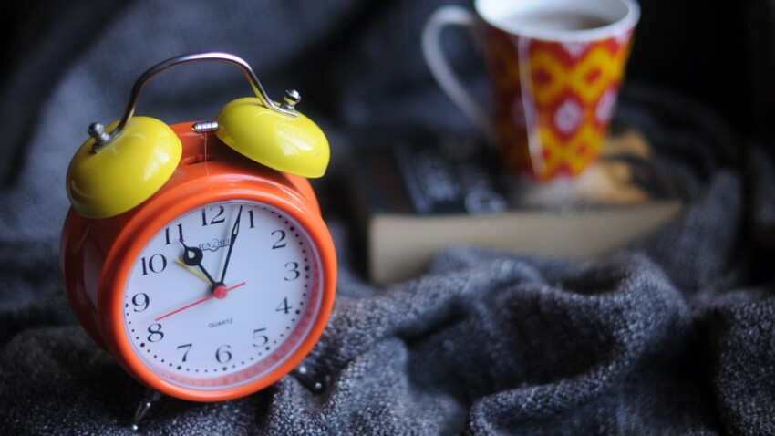 Passage à l'heure d'hiver : quel est son impact sur la santé et le sommeil et comment s'y préparer ?