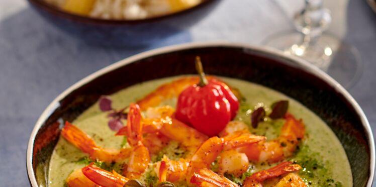 Curry vert de crevettes aux épis de maïs