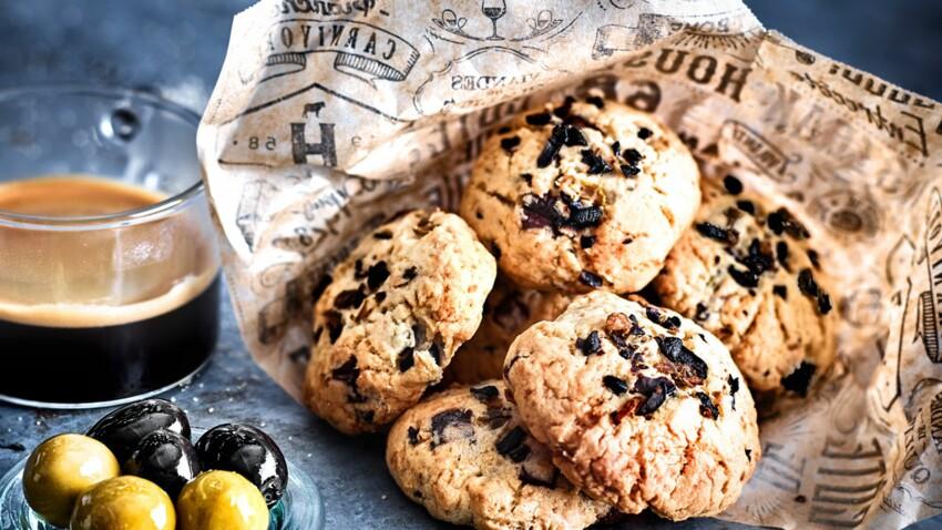 Cookies au chocolat et éclats d'olives vertes et noires