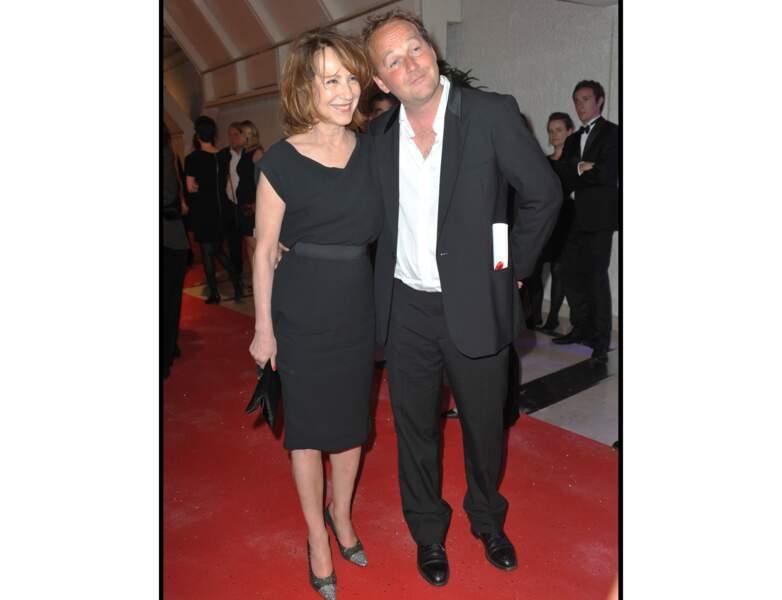 La même année, elle est photographiée à Cannes : elle a 62 ans