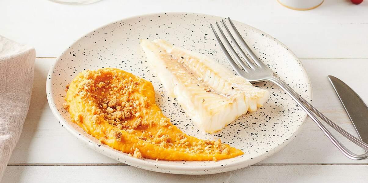 Filet de cabillaud poêlé, crumble de foie gras et purée de patates douces