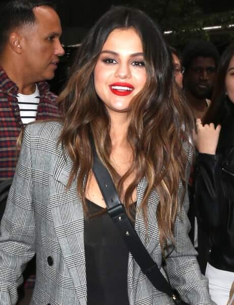 Les cheveux longs de Selena Gomez
