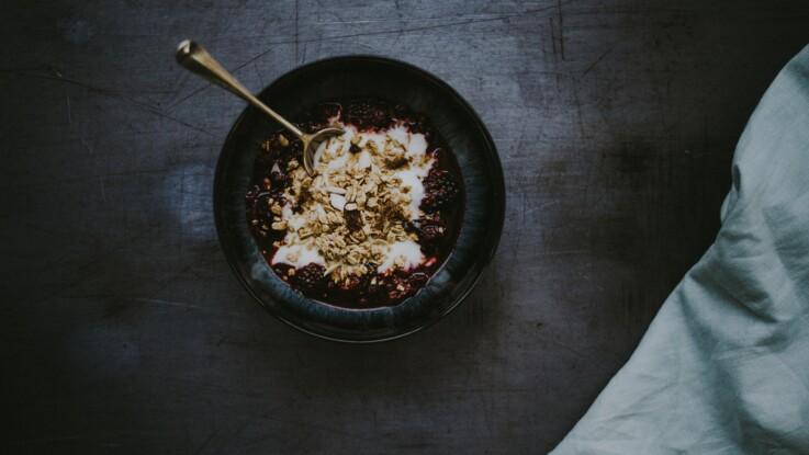 Muesli au petit-déjeuner : quels critères respecter pour qu'il soit sain