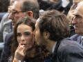 """Vianney """"amoureux"""": tendres bisous avec sa compagne, la violoncelliste Catherine Robert au Rolex Paris Masters"""