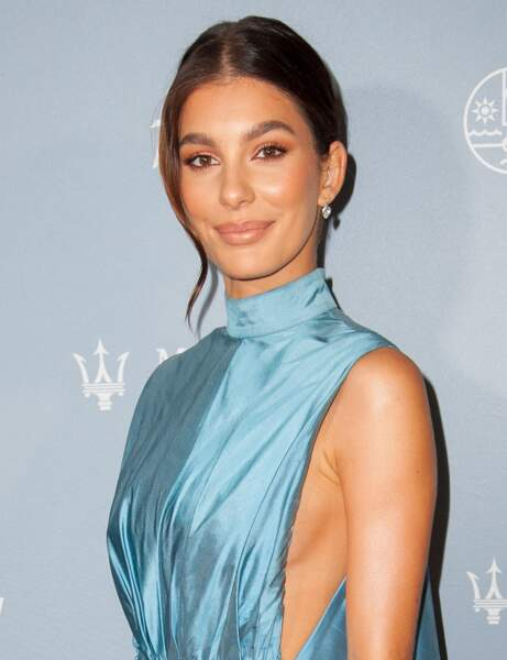 Le chignon minimaliste de Camila Morrone